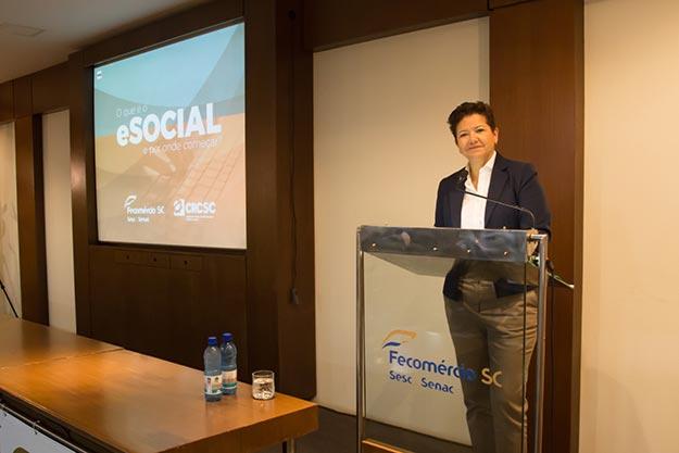 """Palestra """"O Que é o eSocial e Por Onde Começar?"""" (Foto: Ana Carolina Pavarin)"""