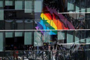 Para 66% dos profissionais LGBT+, se assumir pode prejudicar a carreira