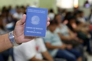 Desempregado tem direito a auxílio-doença e licença-maternidade do INSS?