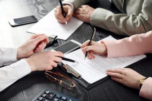 Os empregadores podem exigir atestados na contratação?
