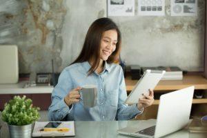 Como ganhar dinheiro dando aulas online e presenciais