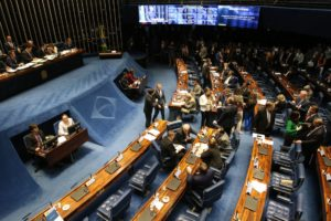 Senado aprova MP da Liberdade Econômica sem regras de trabalho aos domingos